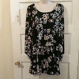 Socialite Dresses - Socialite Bell Sleeve Floral Empre Waist Dress M